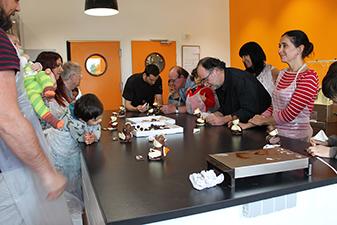 Ateliers chocobonhomme le mercredi 19 Avril à la chocolaterie de Manthelan